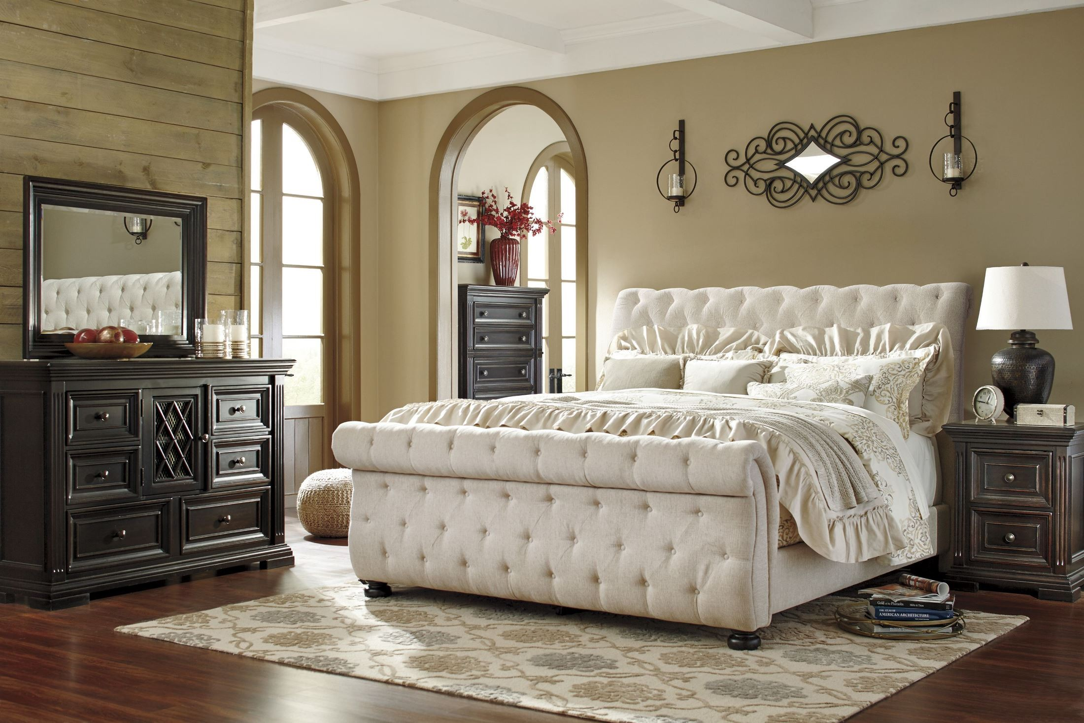 Willenburg Linen Queen Upholstered Sleigh Bed From Ashley