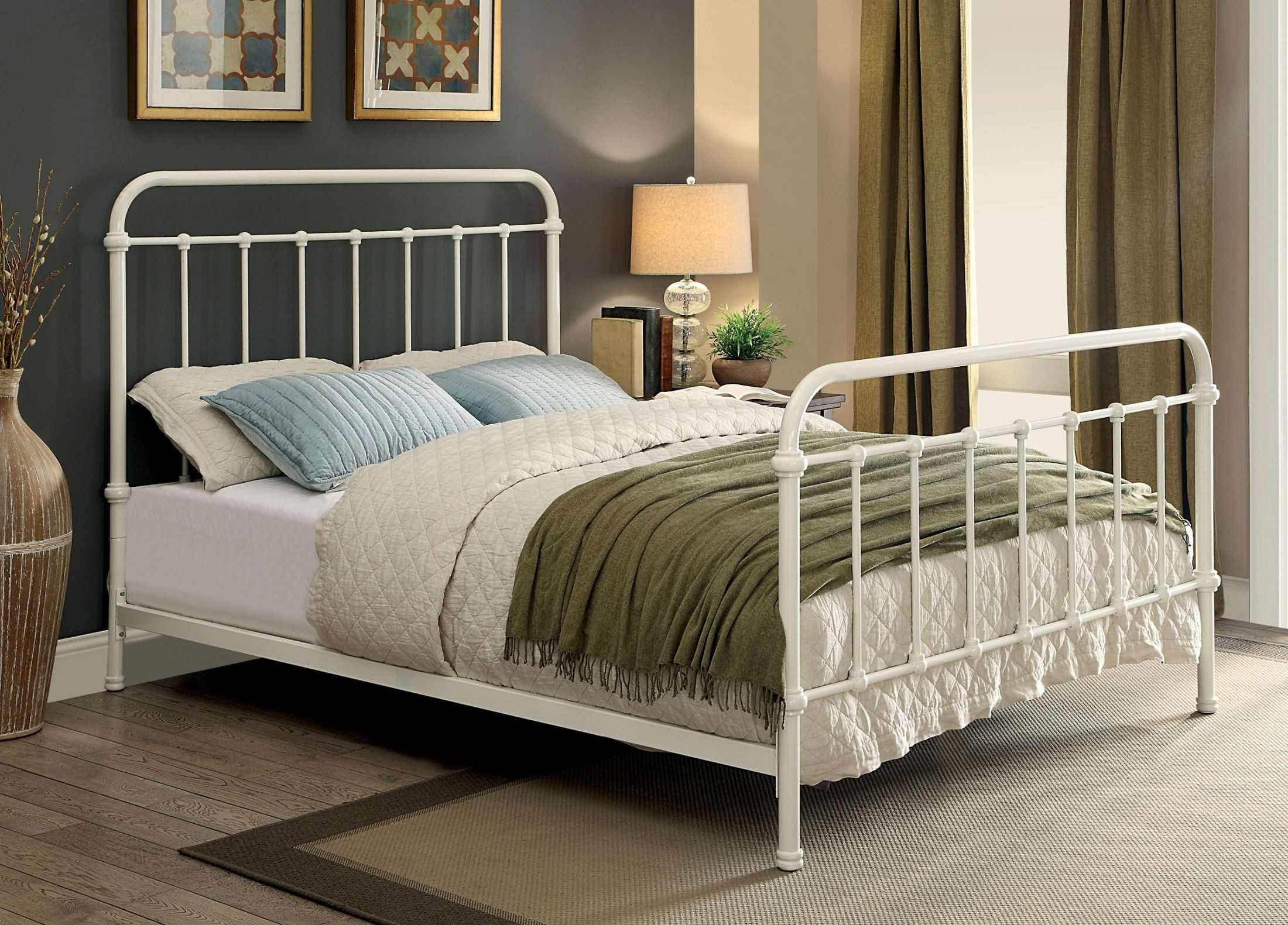 Iria White Metal Queen Panel Bed From Furniture Of America