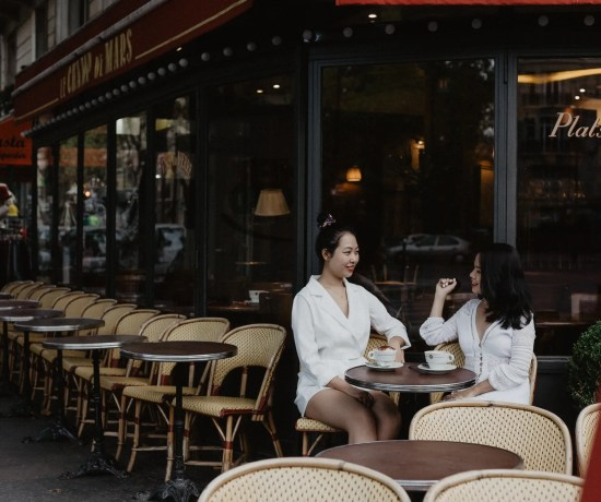 Lifestyle paris cafe coffee best friend