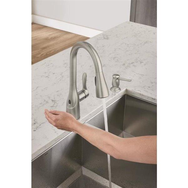 moen arlo motion sense wave 1 handle pull down kitchen faucet