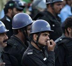 پولیس کے احتجاج پر احتجاج کیوں ——- خرم شہزاد