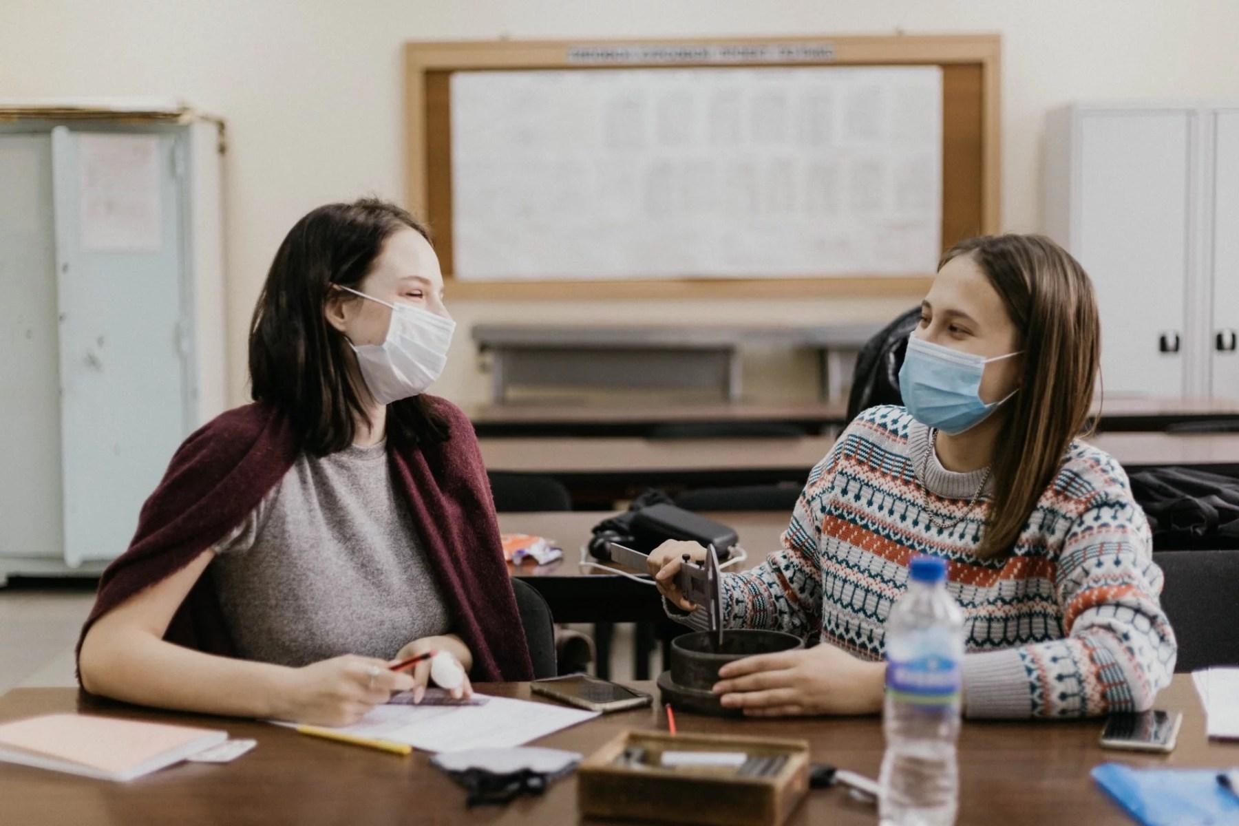 Bruxelles : masque obligatoire pour les élèves flamands mais pas les francophones