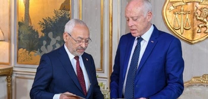 """تقرير  تحليلي إخباري: تونس تعيش """"ثورة جديدة""""…أم """"انقلاب""""؟"""