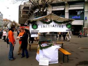 Marijuana drive to sign the petition