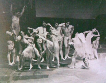 1974-ballet-carmina-burana-de-roberto-trincheros-corte-de-amor-junio-1974