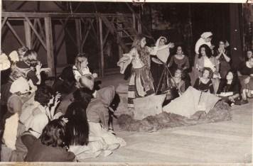 Isabel Casey en su caracterización de la hechicera Ulrica. Ópera Un ballo in maschera (1973 Teatro Argentino de La Plata)