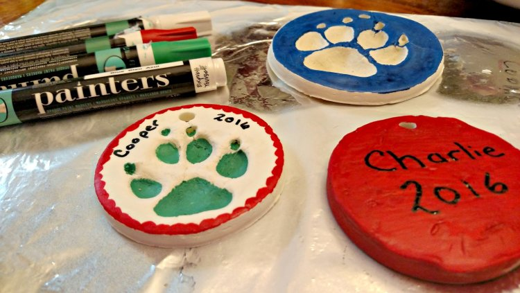 diy paw print ornament
