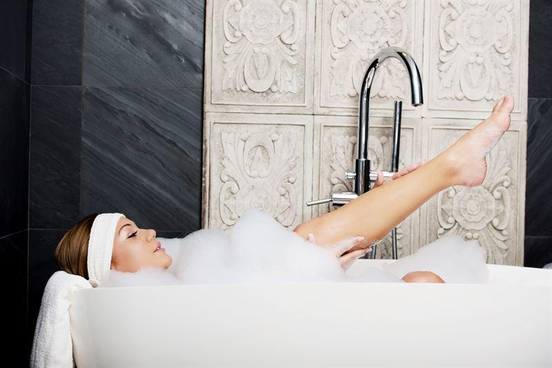 Odwieczny dylemat – wanna czy prysznic?