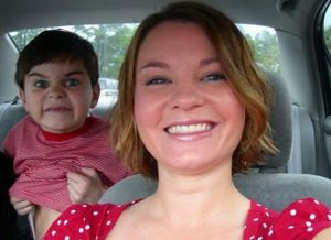 Babble, backseat, kids, toddlers, parenting, driving, distractions, photobomb, funny, photos
