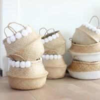 http-_www.lejoli-shop.com_decoration_paniers-sacs_645-grand-panier-boule-naturel-a-pompons-blancs.html