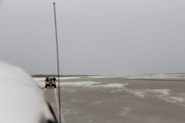 truck-on-beach