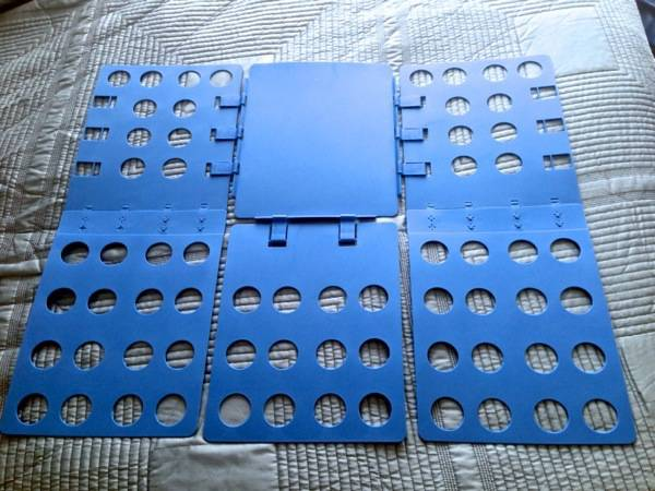 Step 1 - Lay Folding Board on Flat Surface