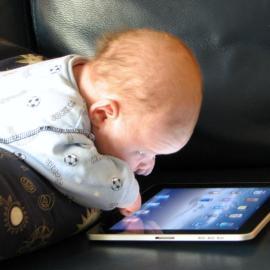 Ребенок и время у экрана