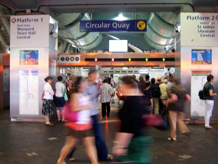 Circular_Quay_station_entrance.jpg