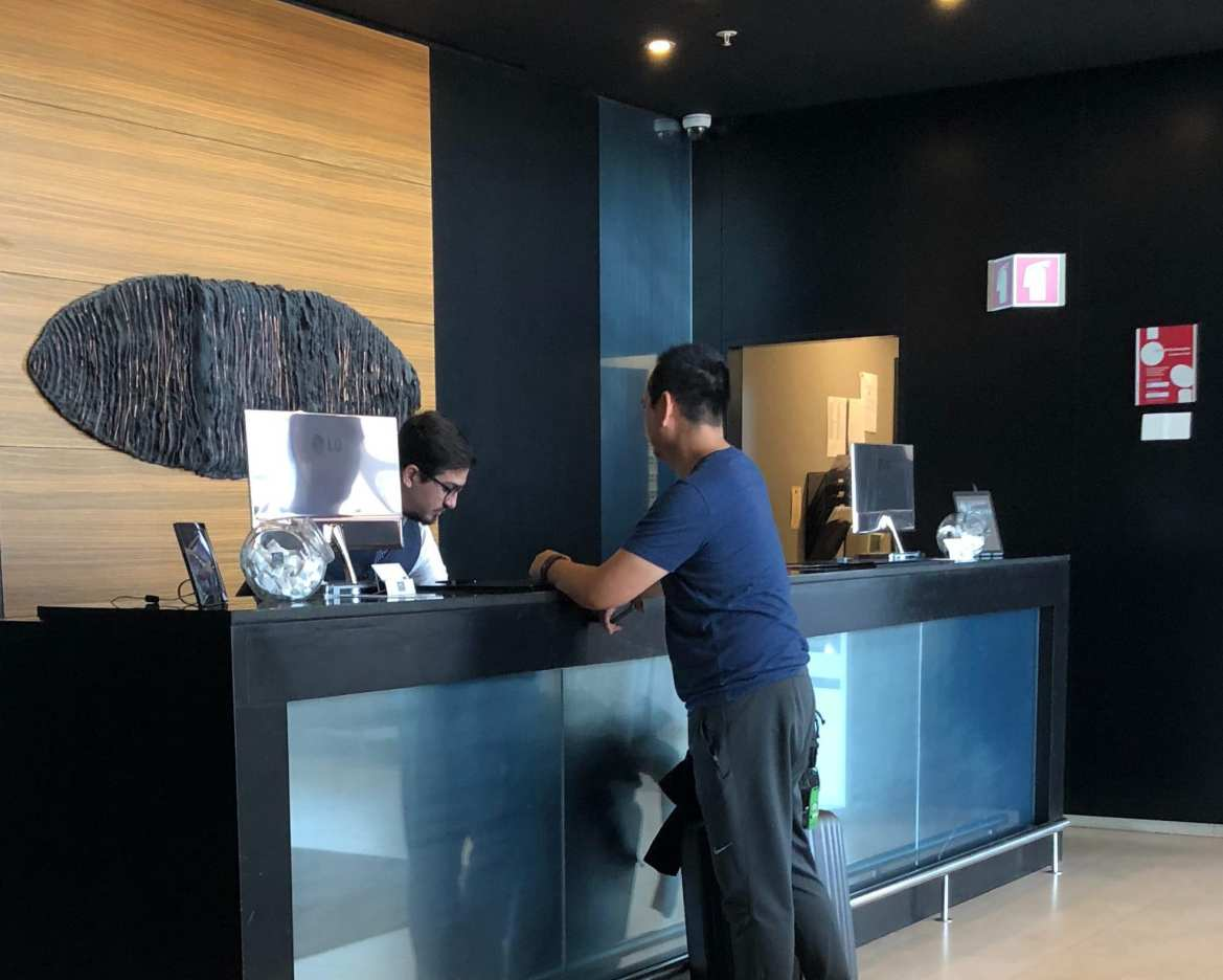 How we only paid $7 at the AC Hotel Marriott in Porto (valued over $550 USD)