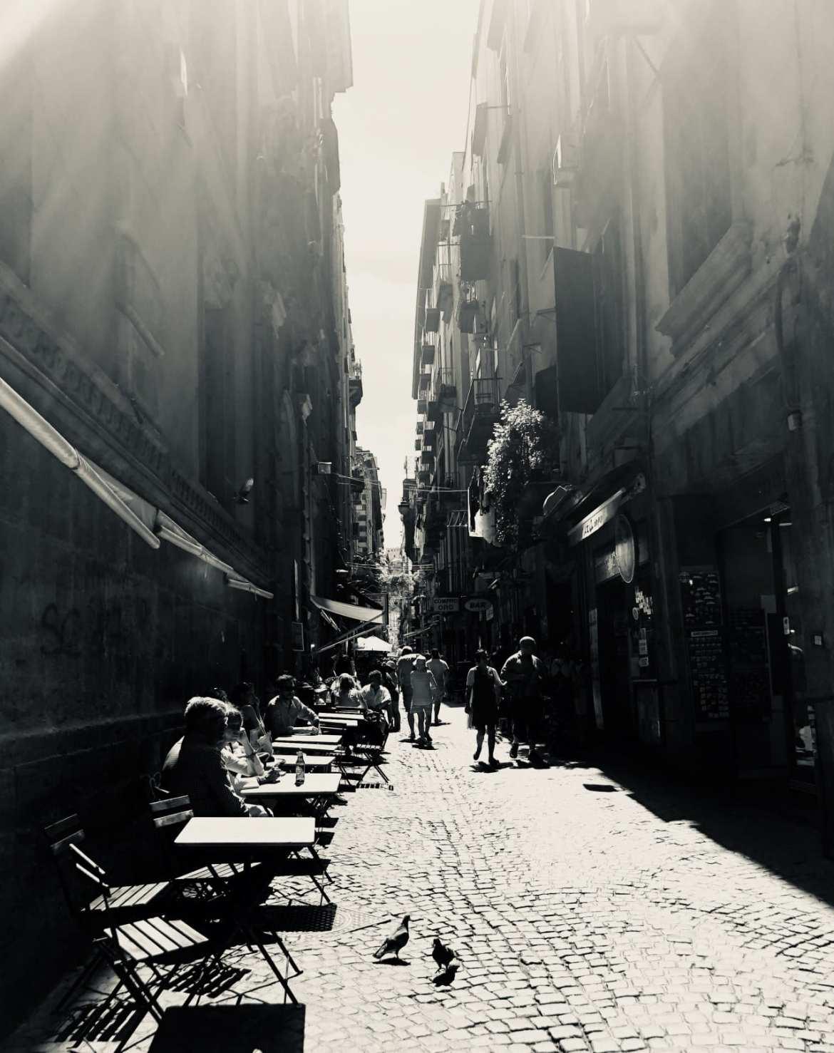 A day in Naples + a visit to L'Antica Pizzeria da Michele