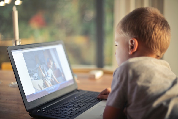 Screen time at home for toddlers