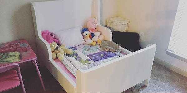 What is a toddler bed plus size
