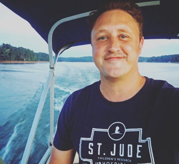 st-jude-at-tugaloo-on-boat