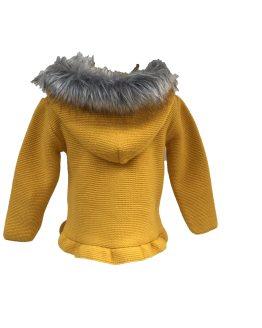 Sigar jersey mostaza con capucha de pelo