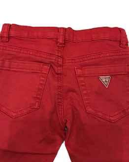 Guess Kids pantalón rojo vaquero detalle