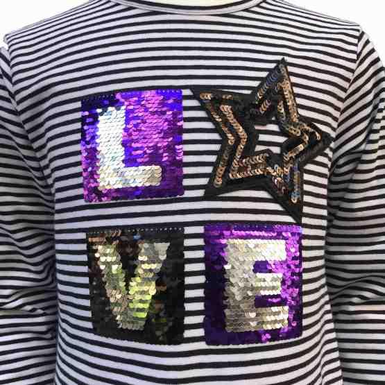 Detalle IDO camiseta rayas negras love