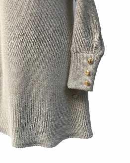 Bella Bimba colección Jadeita vestido evasé capucha detalle