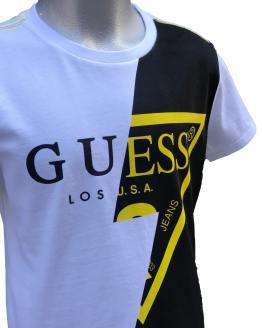 Detalle Guess camiseta chico blanco, negro y amarillo