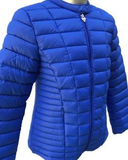 detalle Guess cazadora chica acolchada azulona térmica