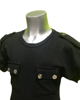Detalle Jaimè camiseta negra bolsillo doble
