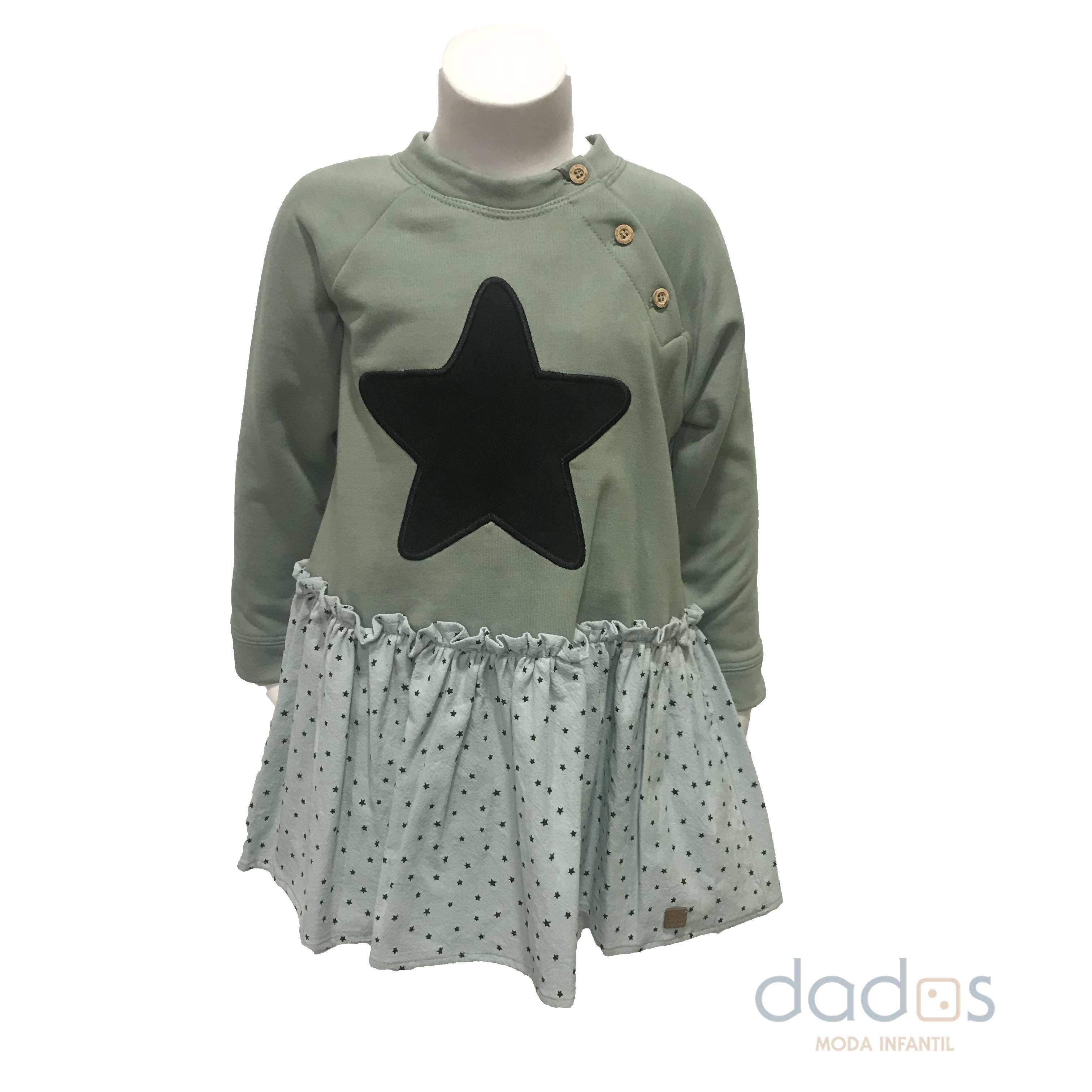 José Varón vestido estrella verde