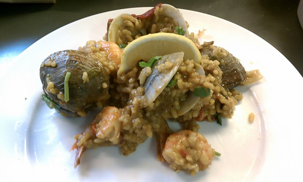 Spanish Clam and Shrimp Paella