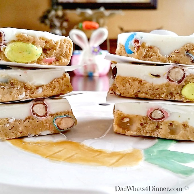 Kids and adults alike will love these Peanut Butter Easter Bars. Perfect dessert to make for Easter brunch or dinner.