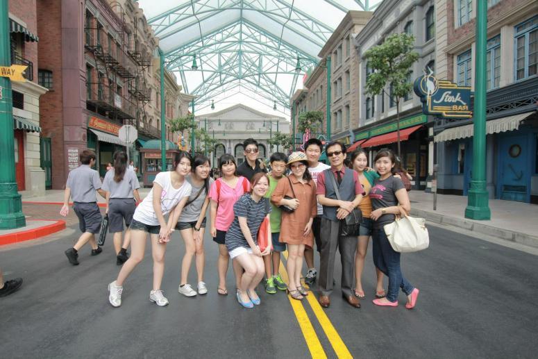 Daehan Korean Staff Members enjoying at Sentosa Amusement Park