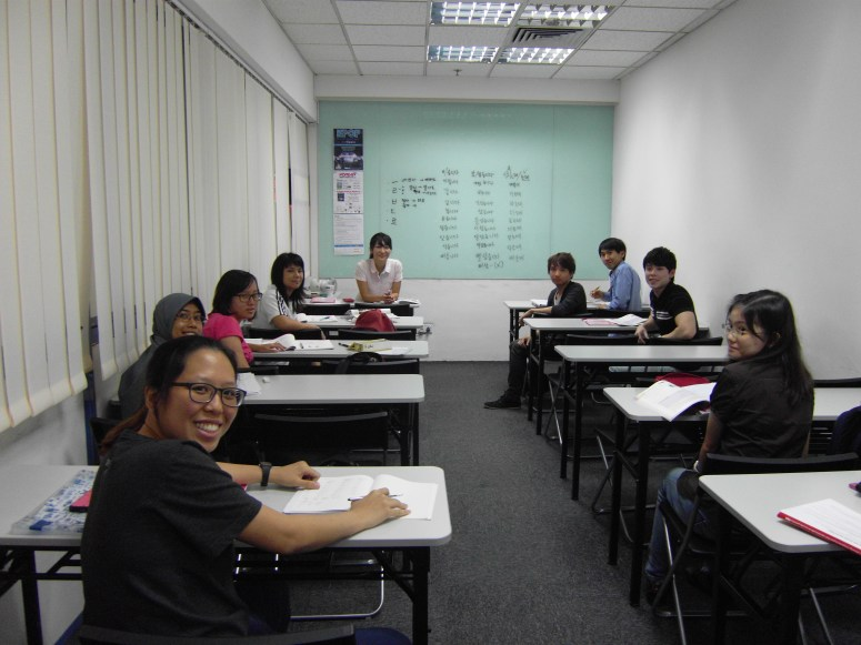 Teacher Ms S J Park and her students