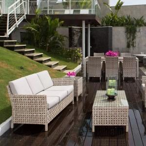 Divani e poltroncine giardino
