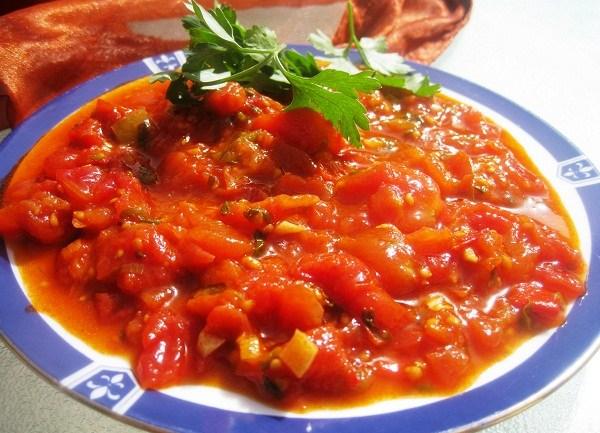 מטבוחה – סלט עגבניות פיקנטי