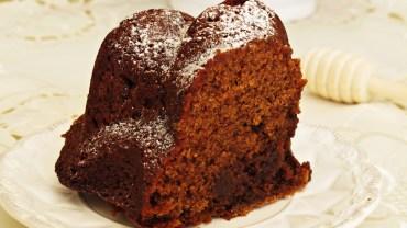 עוגת תמרים ודבש רכה ועסיסית