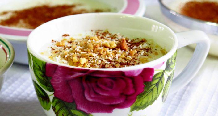 סבתא בישלה דייסה פודינג ילדות עם אורז וחלב