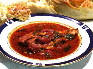 פילה מוסר ברוטב עגבניות שרי אדום ולוהט