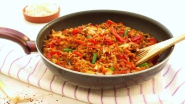 ארוחה בחמש דקות – אורז מוקפץ עם ירקות וצ'ילי
