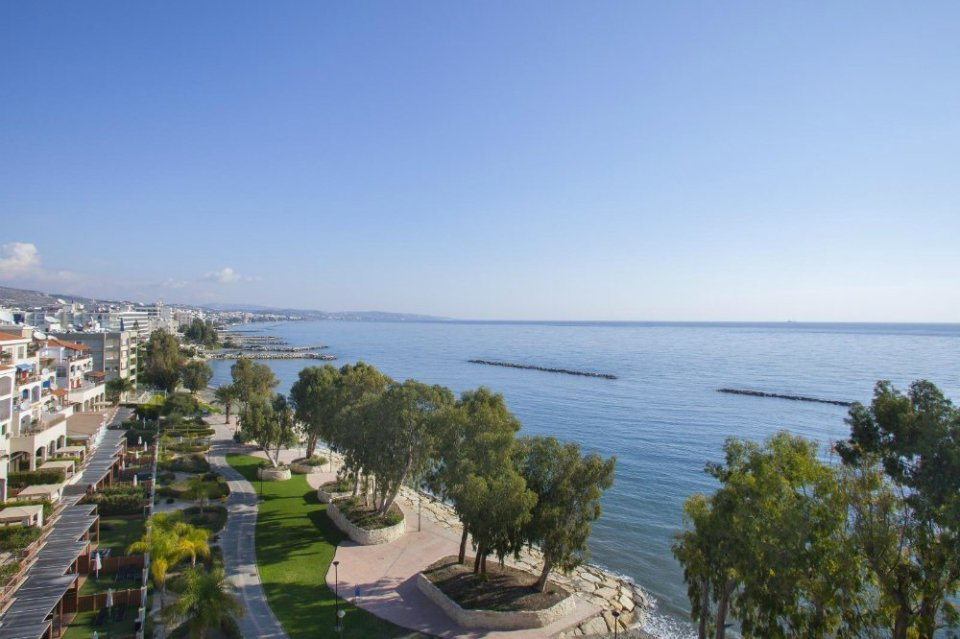 Seaview-hotel-room-Limassol-Harmony-Bay Sunshine holidays & more in the South Mediterranean