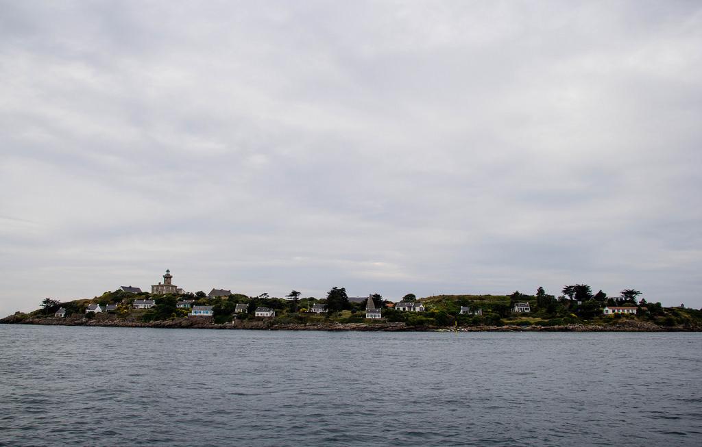Arrivée aux iles Chausey, vue du bateau.