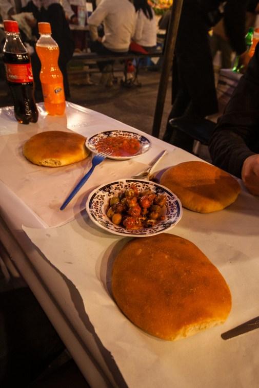 Repas du soir, place Jemaa El Fna.