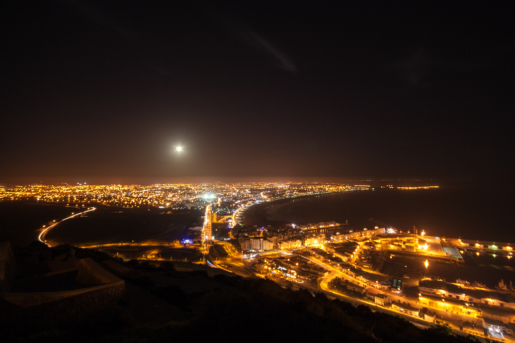 Agadir, vue de haut, vue de nuit.