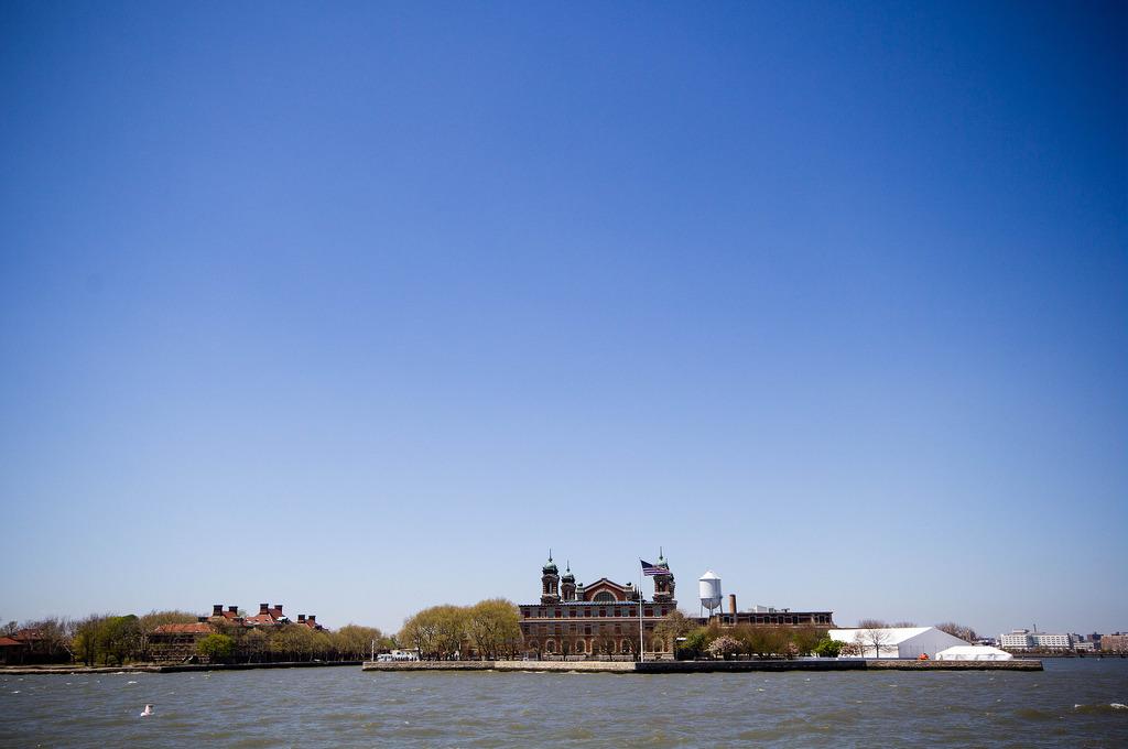 Ellis Island vue du ferry.