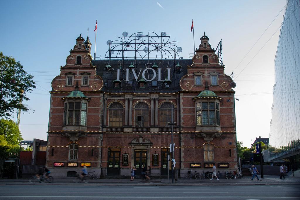 Façade du Parc de Tivoli.