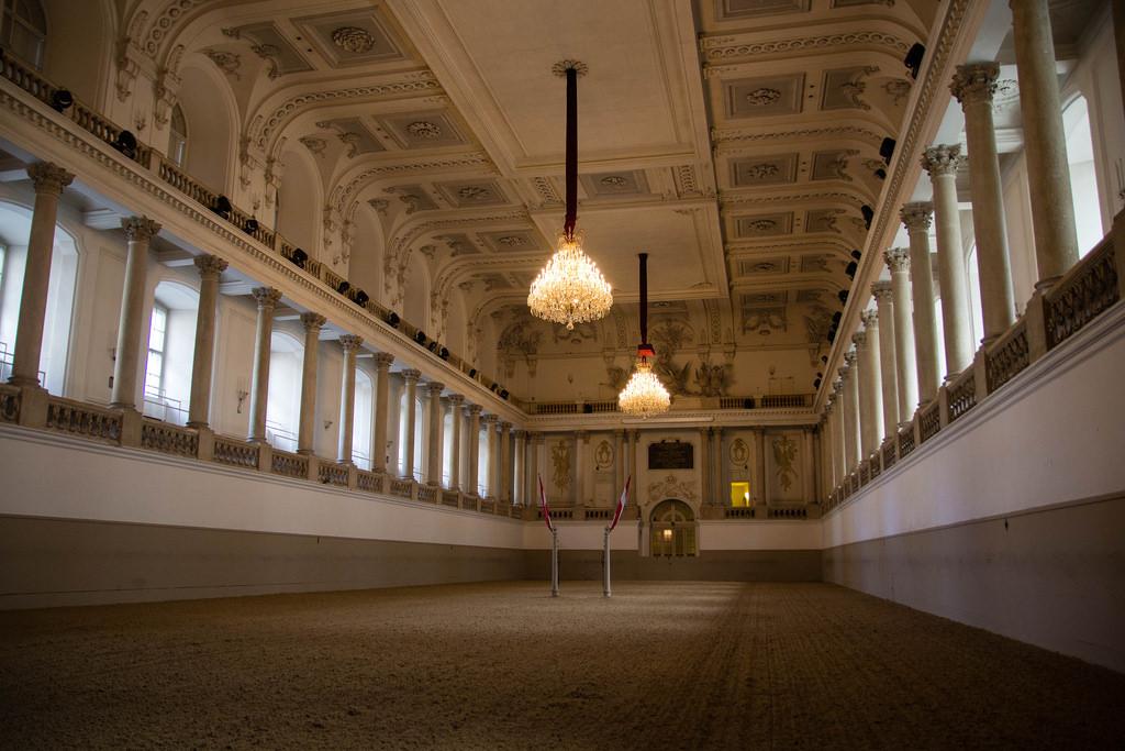 Le manège de l'École d'Équitation Espagnole de Vienne.