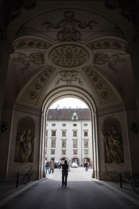 L'entrée du palais de Sissi.