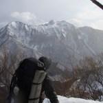 タカマタギ中腹から眺める上信越の雪山